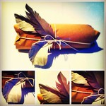 How to wrap a gift: beautiful paper feathers