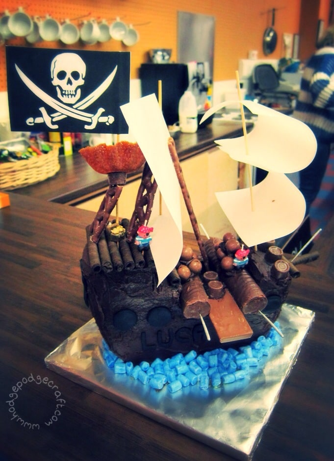 Easy peasy pirate ship chocolate cake tutorial