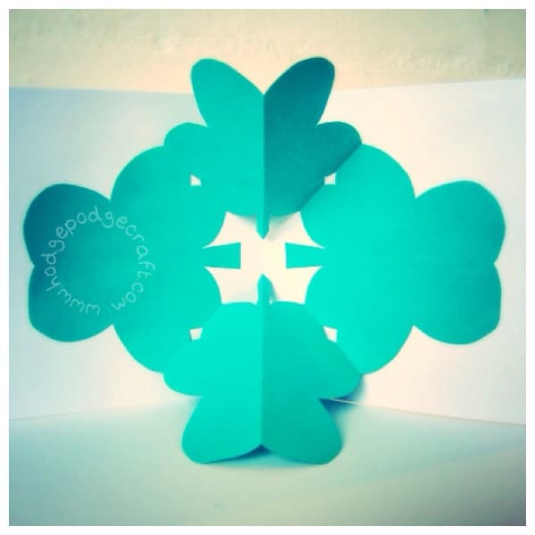 Pop-up shamrock card 1